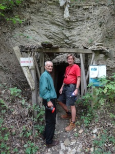Entrada al túnel KTK