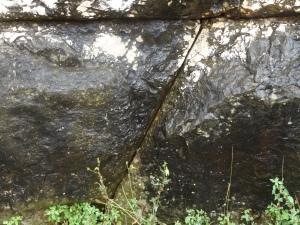 Precisos cortes rectos en las piedras megalíticas que pesan toneladas