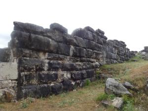 Muralla que da al interior de la antigua ciudad o fortaleza megalítica