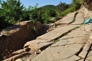 Parte de la construcción de las terrazas de la Pirámide de la Luna