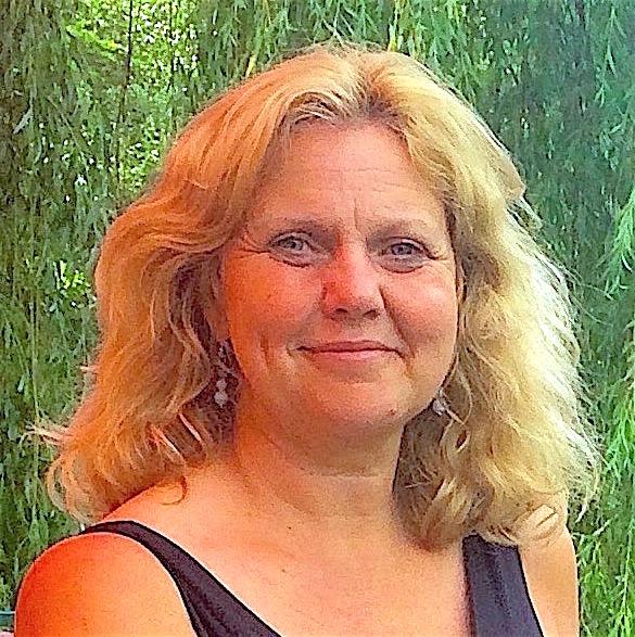 Sue Jones sq. crpd .jpg