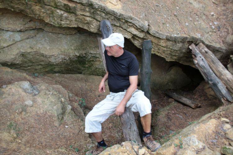 Excavación sobre la Pirámide del Sol