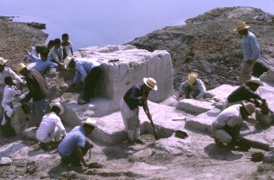 New Evidence of early man-workers-shovels-lake1