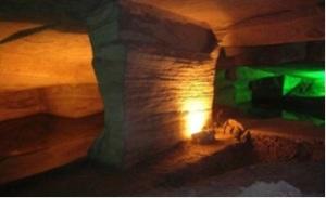 Cueva de más de 2.000 m2 y hasta 30 m de alto - China