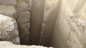 Entrada a un enorme sistema de túneles - Egipto
