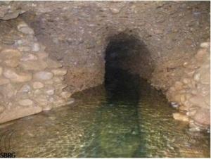 Parte del túnel Ravne bajo agua /Visoko Bosnia