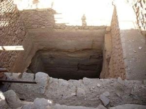 Entrada a un túnel en Egipto