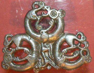 Devetashka-Bulgarian-Cave-bronze-artifact
