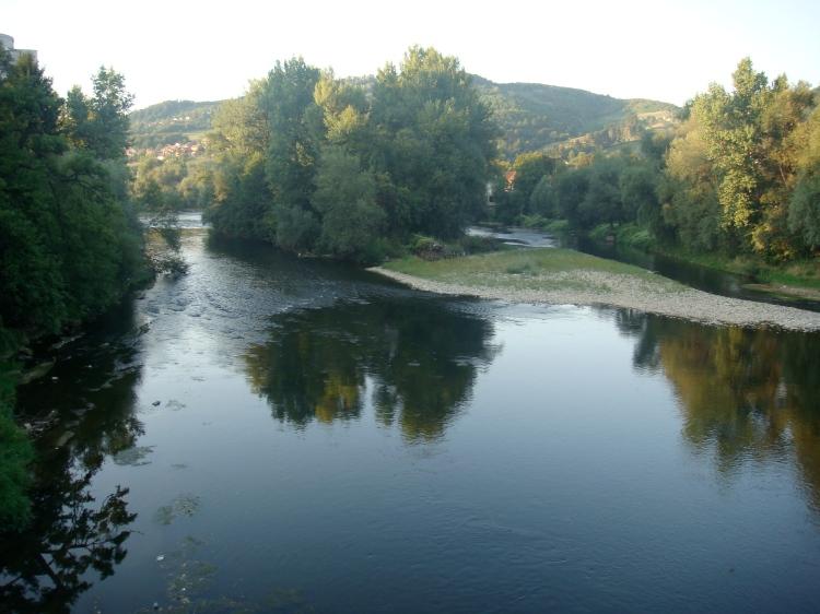 El rio que pasa por Visoko