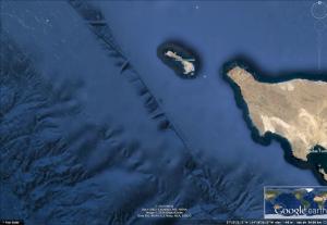 Túneles cerca de la isla Natividad, Baja California