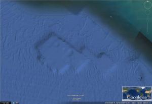 ¿Qué existió una vez sobre esta base? Edificios prehistóricos?  33º40´08.26´´N   118º13´17.72´´W   elev -22m   eye alt  3.09 km