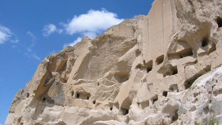 Una ciudad subterránea de 5.000 años hallada en la región turca de Anatolia Central puede convertirse por sus dimensiones y antigüedad en el mayor descubrimiento arqueológico del año.
