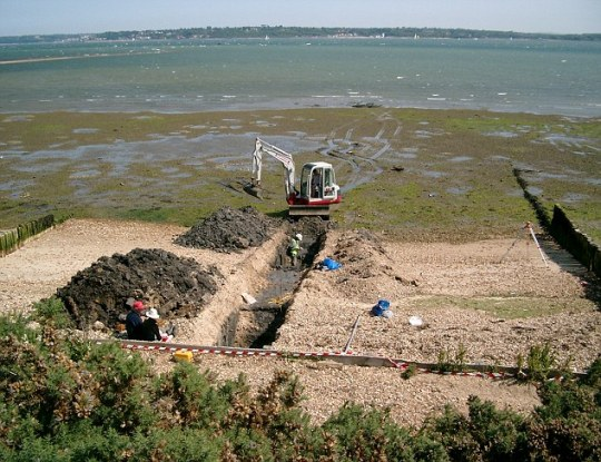 La excavación de la fosa 2, revelando más hallazgos sobre esta masa de tierra perdida.