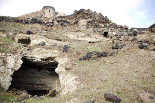 Hurriyet Daily News @HDNER Follow Massive ancient underground city discovered in #Turkey's Nevşehir http://bit.ly/1tb6p7W   2:56 PM - 28 Dec 2014
