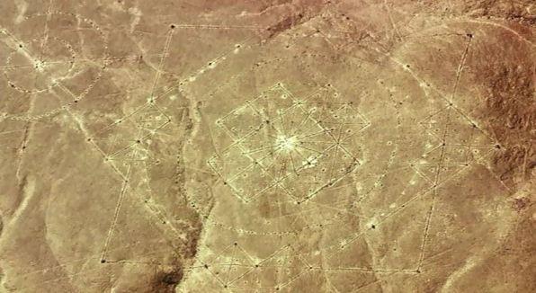 Nazca-geometrical-drawings