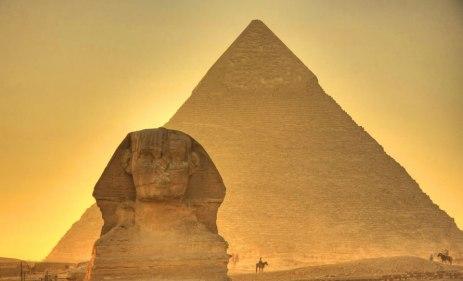 Puesta-de-Sol-en-las-Piramides-de-Egipto.jpg
