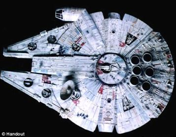 The sonar picture of the unidentified object resembles the famed Star Wars ship the Millennium Falcon.jpg
