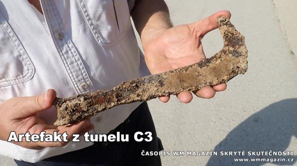 18-08-31-artefakt-kov-tunel-c3-ravne-bosna.jpg